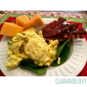 Scrambled eggs with bacon and melon
